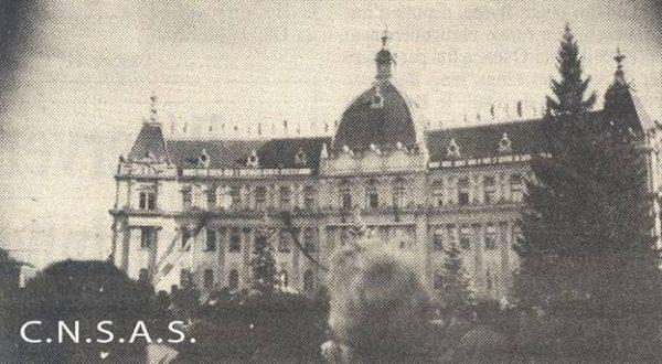 consiliul-municipal-si-masa-de-manifestanti-15-noiembrie-1987