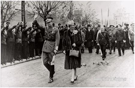 Imagini pentru regele Mihai 8 noiembrie 1940