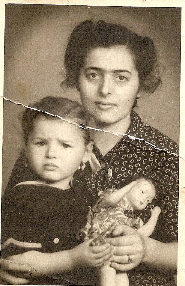 elena samoila impreuna cu fiica sa ileana