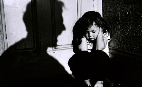 s560x316_studiu-opt-din-zece-copii-romani-sunt-traumatizati-108343