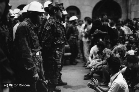 2-a-Piata-Universitatii-c-Victor-Roncea-13-15-iunie-1990-1_resize